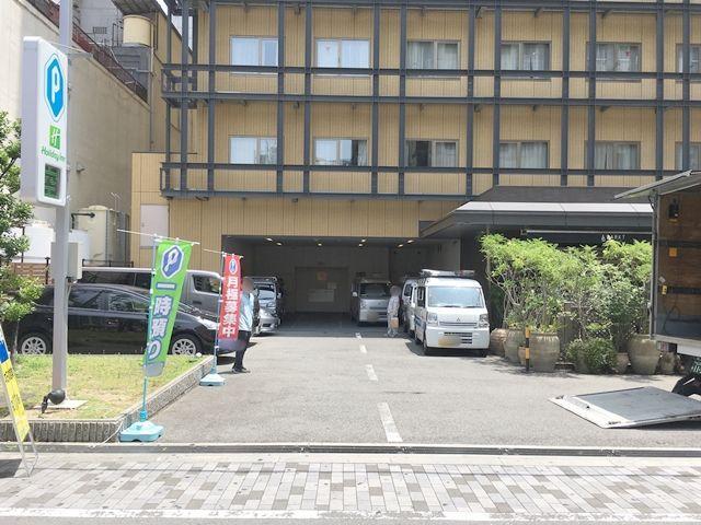 ホリデイ・イン大阪難波駐車場