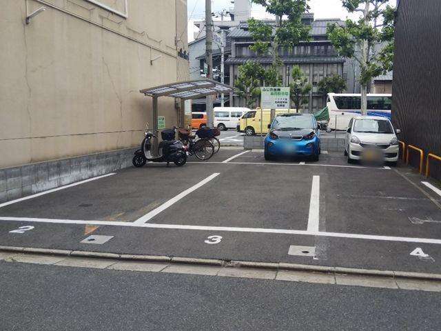 ふじた医院駐車場