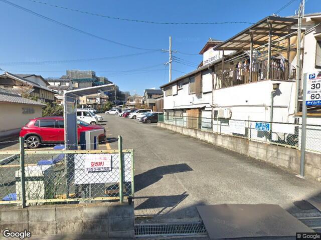 木影邸横駐車場