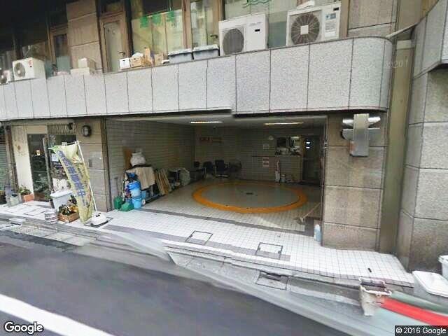 エクレ新宿駐車場