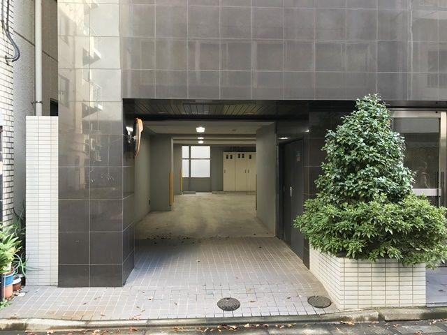SANOS日本橋駐車場