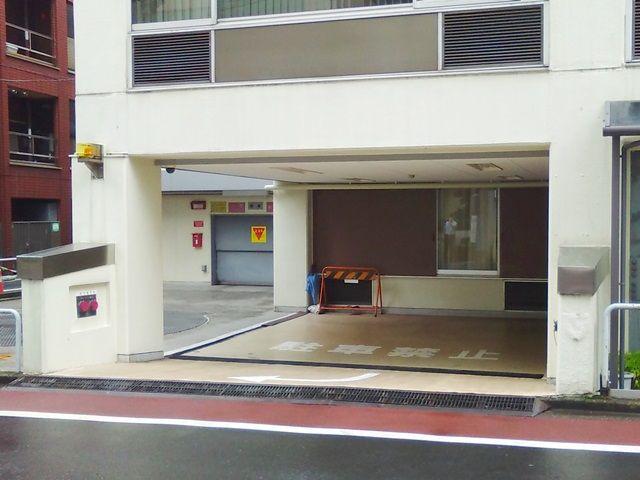 瀬川ビル駐車場