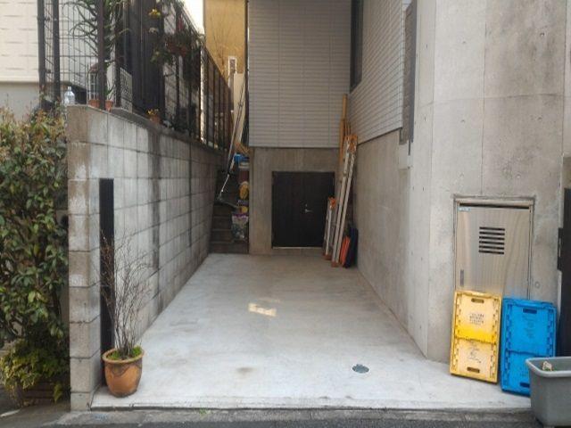 西片2丁目駐車場