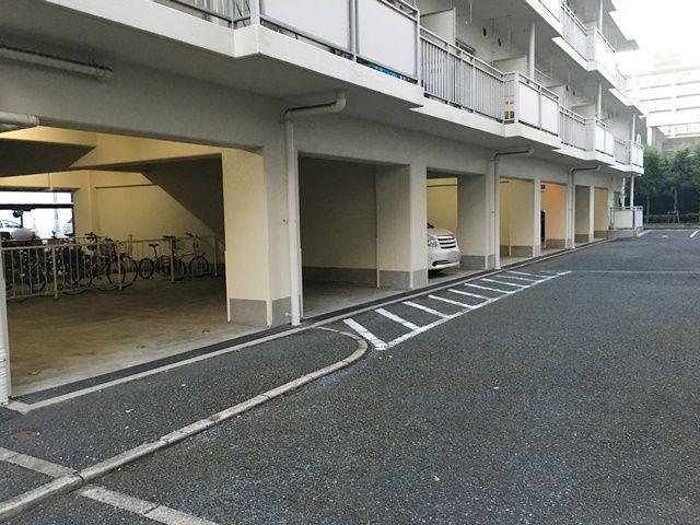 服部マンション駐車場