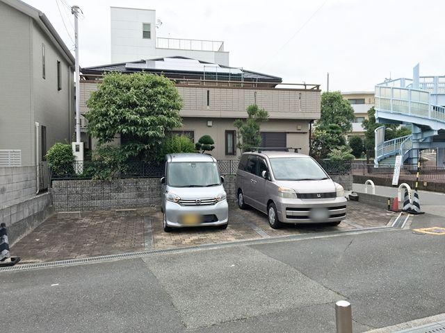 akippa 蛍池中町駐車場