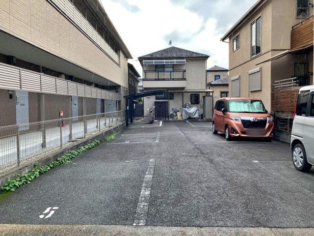 法蓮町宮城邸駐車場