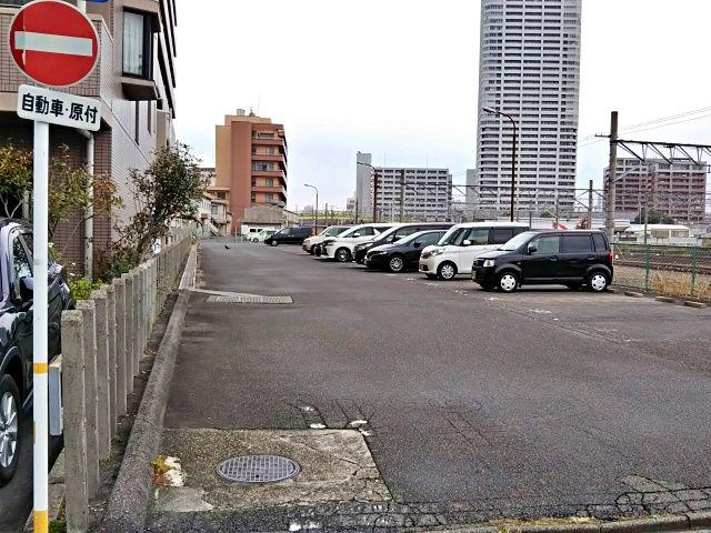 熱田駅駐車場